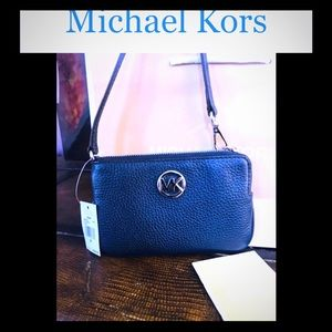 Michael Kors Fulton wristlet NWT